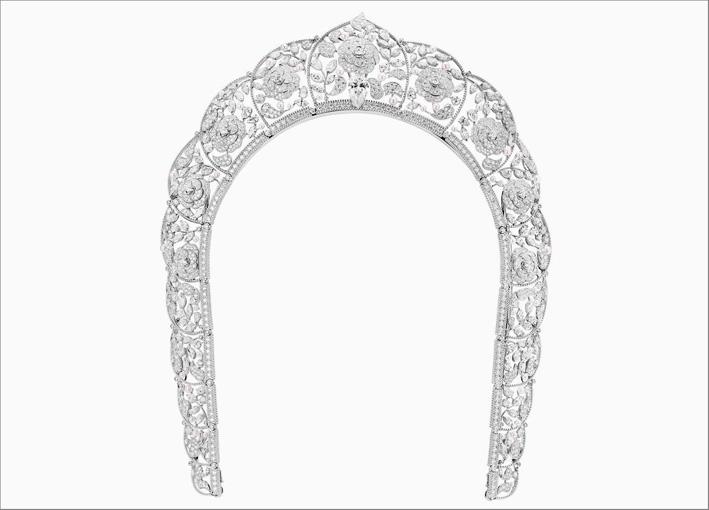 Collana-copricapo Sarafane in oro bianco, perle, diamanti