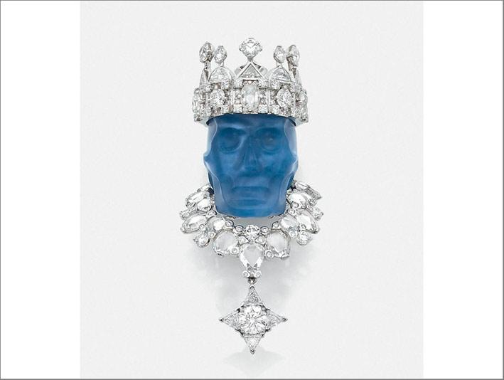 Pendente di Dior in calcedonio scolpito, platino e diamanti