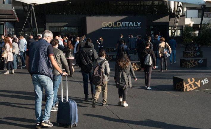 Esterno di Gold Italy
