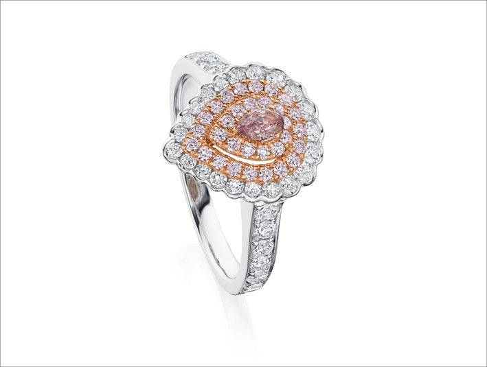 Anello con diamanti bianchi e rosa della Pink Diamond collection