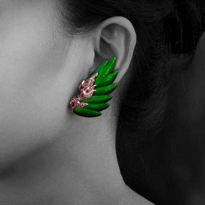 Wing earrings indossati