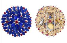 Clip in oro rosa, oro giallo, oro bianco, rubini, zaffiri, lapislazzuli, diamanti. Il retro ospita due uccellini d'oro. L'usignolo e l'allodola, citati nella tragedia di Shakespeare