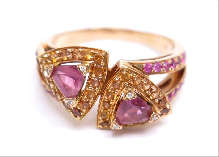Mauboussin, anello in oro rosa e zaffiri rosa