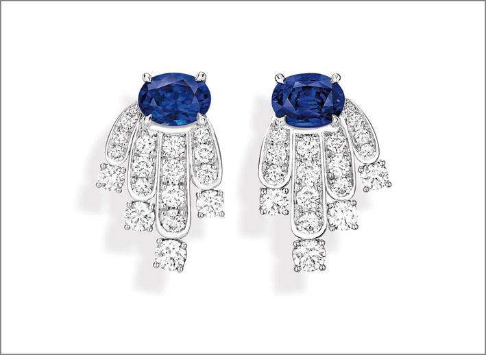 Diamond Veil Earrings, 18K white gold earrings set with 1 oval-cut blue sapphire form Madagascar (approx. 2.44 cts), 1 oval-cut blue sapphire from Sri-Lanka (approx. 2.2 1cts) and 36 brilliant-cut diamonds (approx. 2.41 cts)