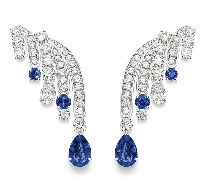 Diamond Veil Earrings, 18K white gold earrings set with 2 pear-shaped blue sapphires (approx. 1.40 ct and 1.40 ct), 4 round-cut blue sapphires (approx. 0.41 ct), 2 pear-shaped diamonds (approx. 1.30 ct) and 66 brilliant-cut diamonds (approx. 4.00 cts)