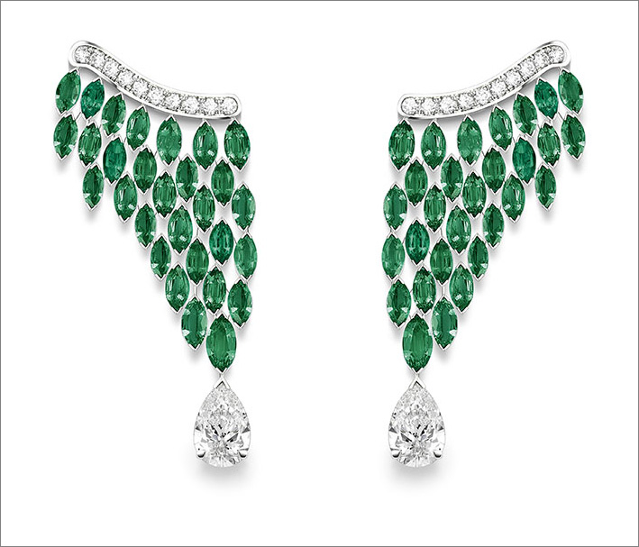 Luxuriant Oasis Earrings, 18K platinum earrings set with 2 pear-shaped diamonds (approx. 1.54 ct and 1.50 ct), 58 marquise-cut emeralds (approx. 12.86 cts) and 20 brilliant-cut diamonds (approx. 0.56 ct)