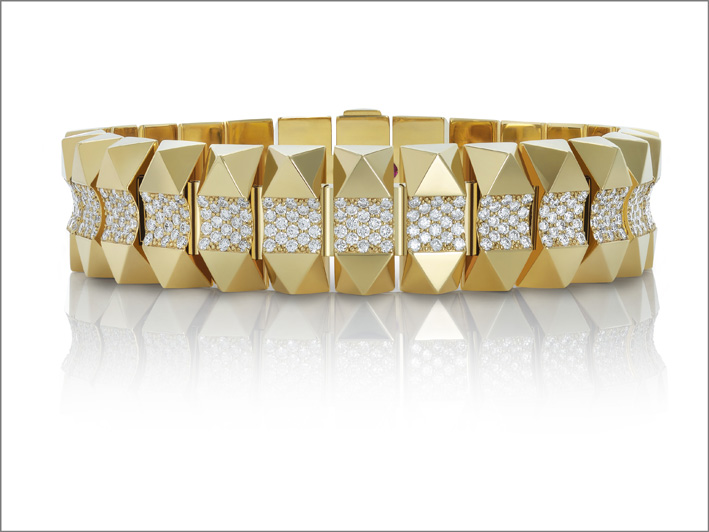 Rock & Diamonds, yellow gold bracelet in yellow gold with diamonds