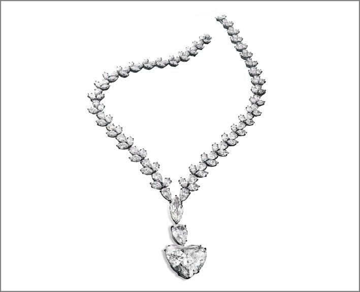 Collana con diamanti tagliati a cuore