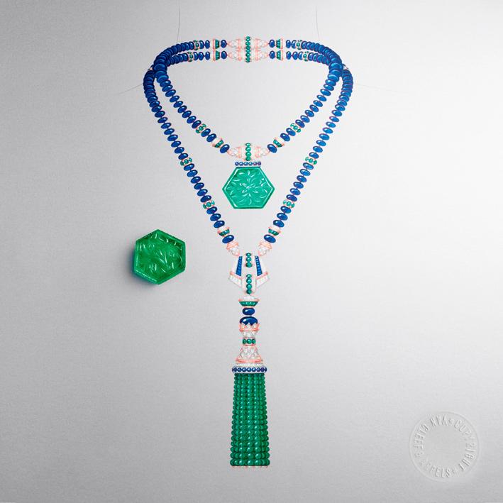 Sautoire Giardino. È costituita da sfere di zaffiro per un totale di circa 451 carati, con diamanti e smeraldi. Due spettacolari pendenti completano l'insieme:. Lo smeraldo colombiano è di 81,07 carati