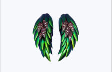 Lotus Arts de Vivre, Wing earrings con ali di scarabeo, diamanti, tormalina