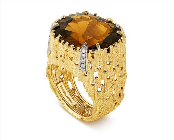 Anello con oro, diamanti, tormalina