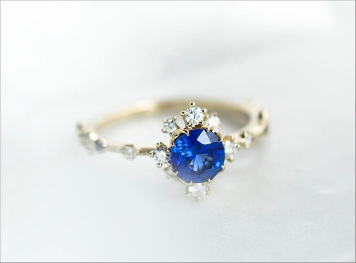 Anello in oro, diamanti, zaffiro