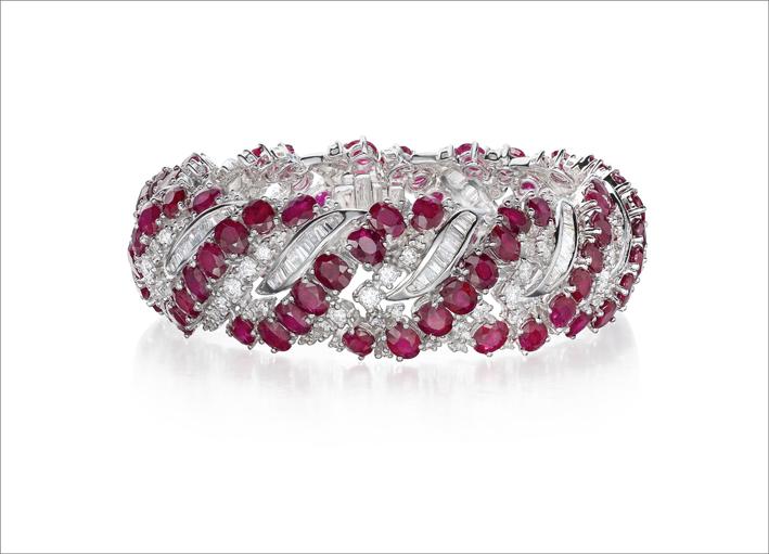 Ortaea, bracciale con diamanti e rubini del Mozambico