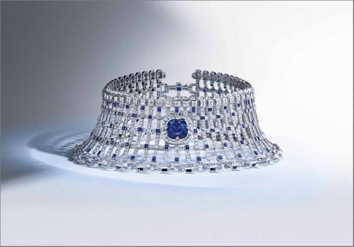 Choker Royame con 1600 diamanti e zaffiro di 19,31 carati