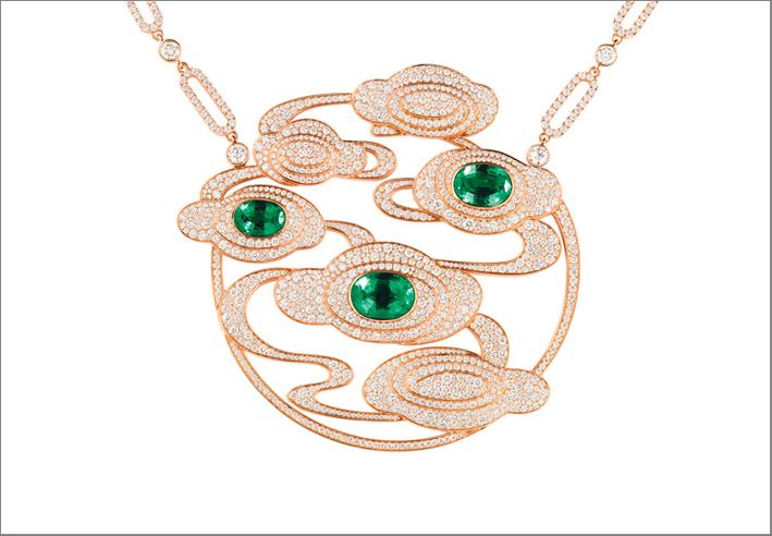 Collana con pendente in oro rosa, diamanti e smeraldi