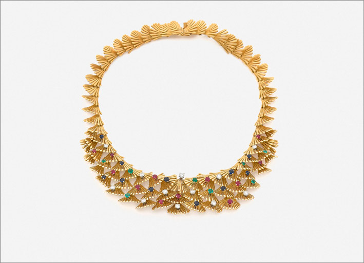 Collier in oro e pietre di Boucheron