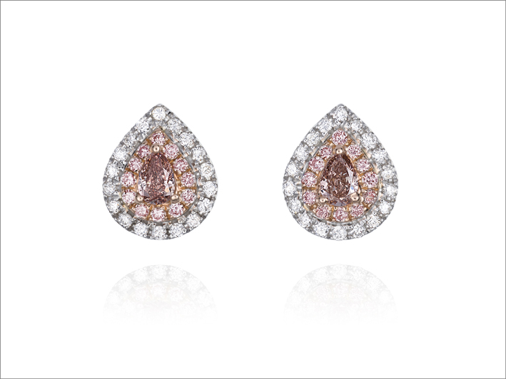 Orecchini con diamanti bianchi e rosa della Pink Diamond collection