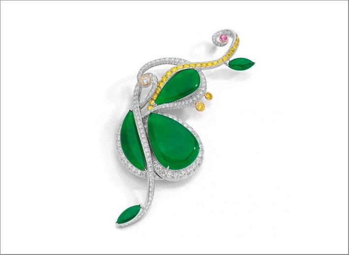Jadeite Cello Brooch, spilla con giada, oro bianco, diamanti bianchi e gialli