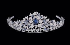 Tiara con diamanti e zaffiri