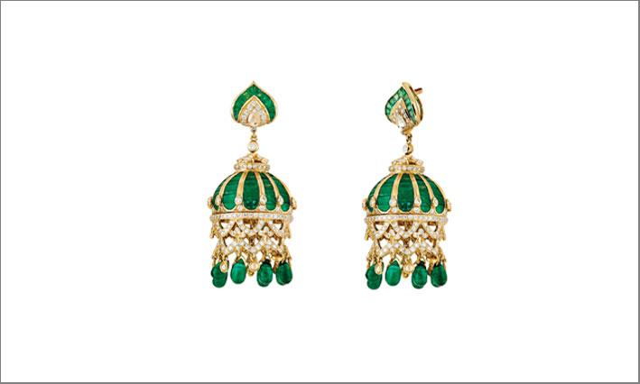 Orecchini con 30 carati di smeraldi e diamanti