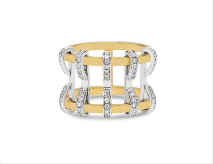 Anello a gabbia in oro giallo e bianco 18 carati e diamanti