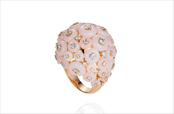 Anello con cluster di opali rosa
