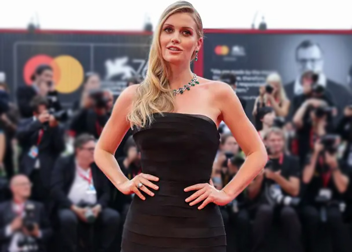 Lady Kitty Spencer con collana e orecchini Bulgari