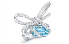 Vania Leles, anello Lyla's Bow con diamanti acquamarina brasiliana