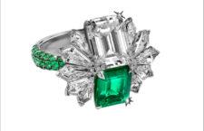 Anello con smeraldi colombiani e diamanti