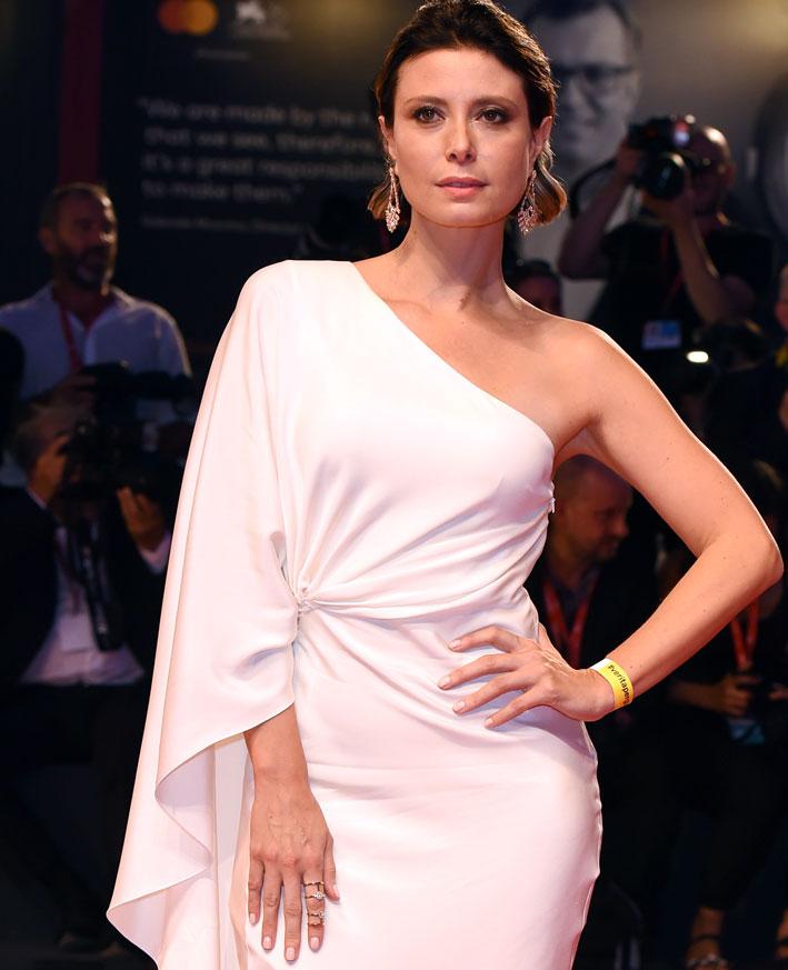L'attrice italiana Euridice Axen in Messika al Film Festival di Venezia