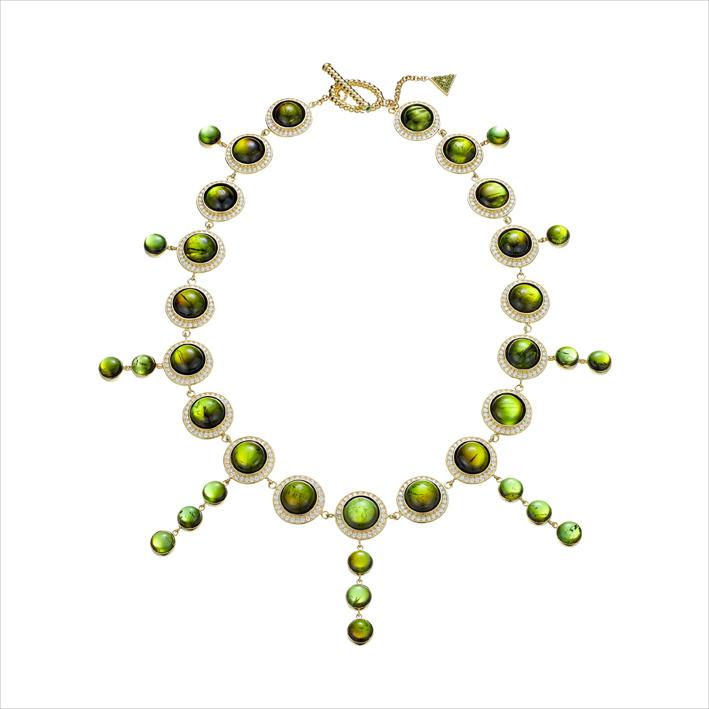 Collana con tormaline verdi per 23 carati, diamanti bianchi, tsavoriti, oro giallo