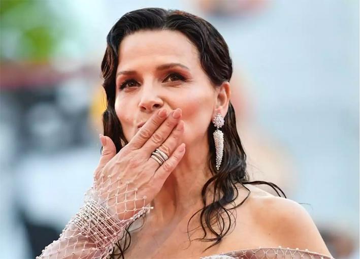 Juliette Binoche con i gioielli di Marco Bicego