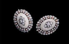 Orecchini con perle e diamanti di Moksh