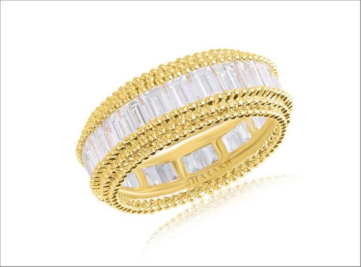 Anello con diamanti e oro giallo