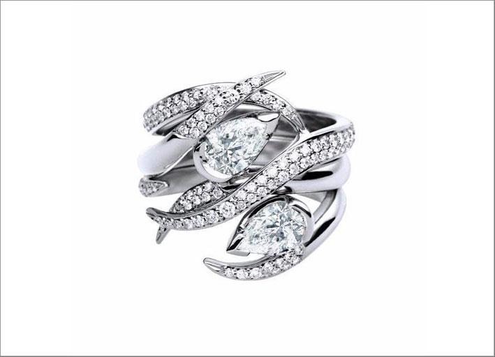 Anello in oro bianco e diamanti di Shaun Leane