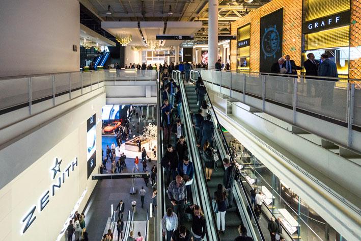 Baselworld 2019, scale mobili. Copyright: gioiellis.com