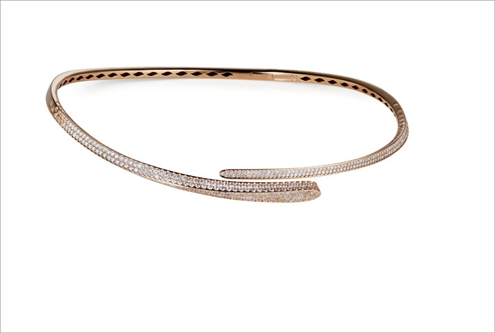 Choker in oro rosa e diamanti