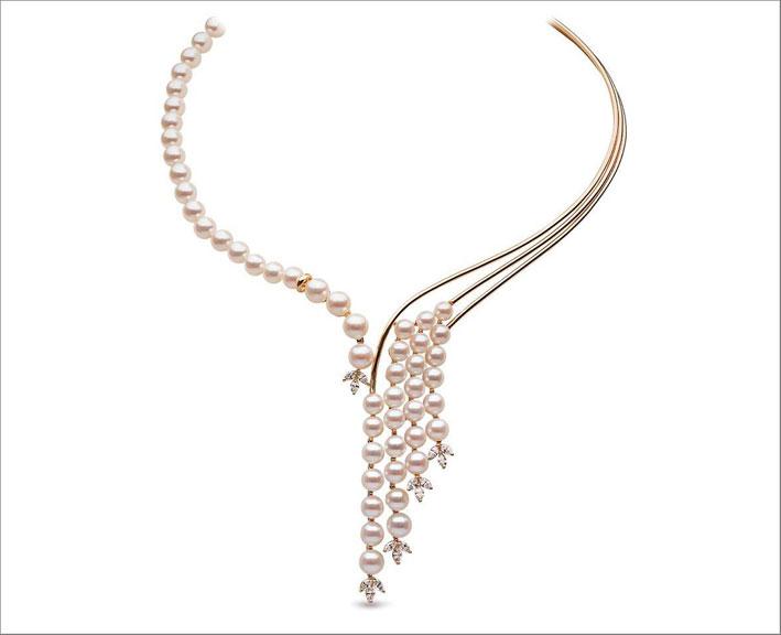 Collana asimmetrica di perle e diamanti