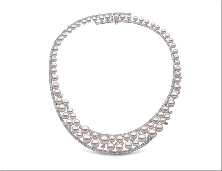 Collana asimmetrica di perle, diamanti, oro bianco