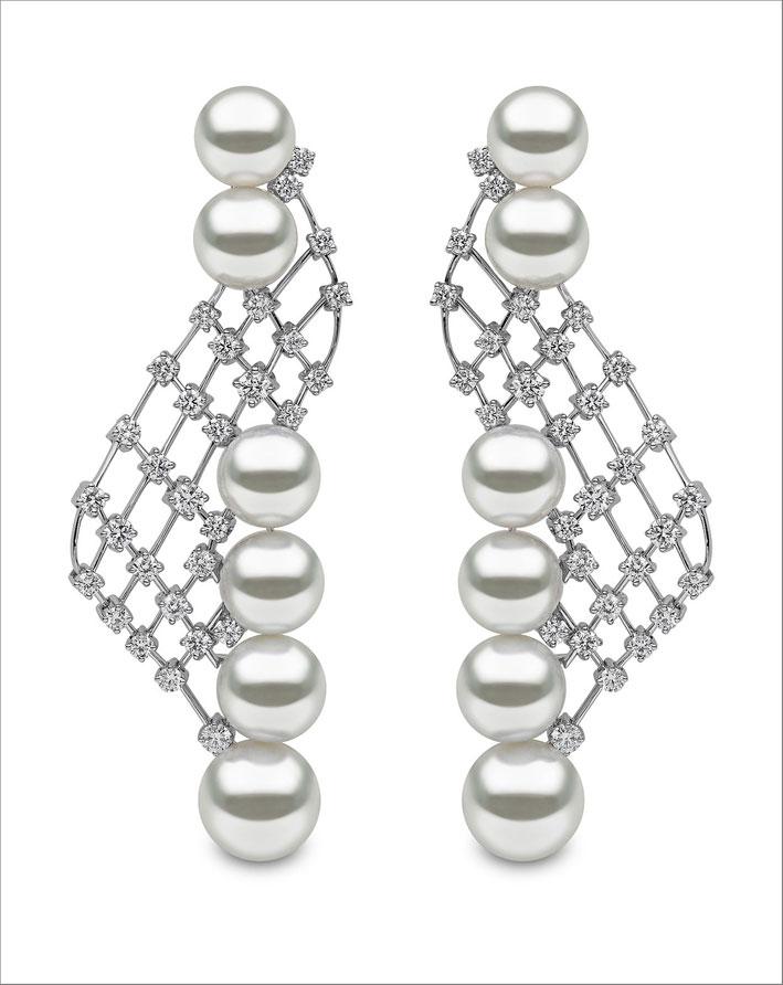 Orecchini in perle, diamanti, oro bianco