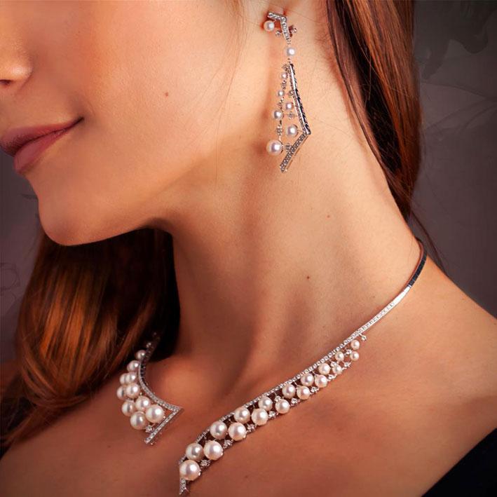 La collana di Yoko London indossata con gli orecchini abbinati