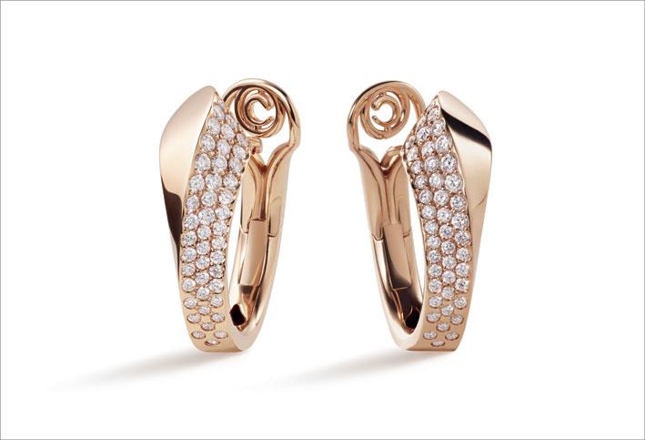Orecchini in oro rosa e diamanti della collezione Like