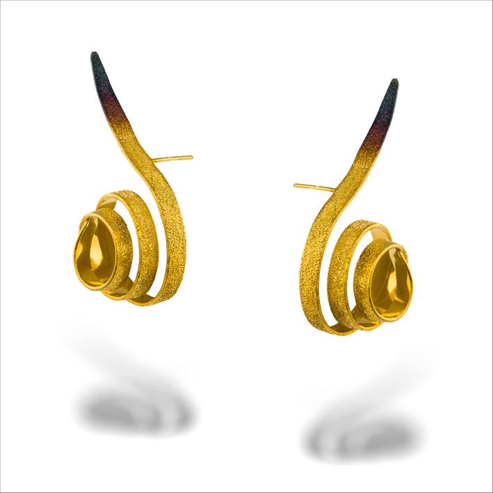 Orecchini in argento dorato