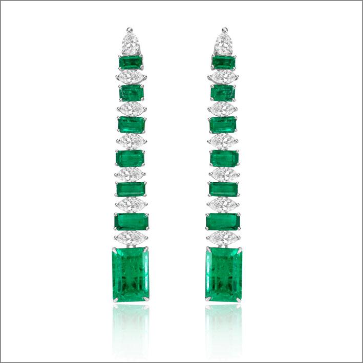 Orecchini con diamanti e smeraldi per 14,30 carati
