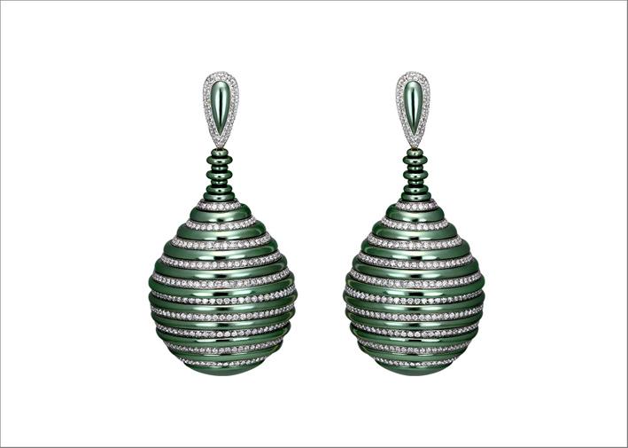Orecchini in titanio verde e diamanti