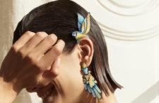 Boucheron, earcuff Nuri indossato. Titanio, oro giallo, acquamarina,  berillo,  tsavoriti, onice, lacca nera, zaffiri, diamanti, gialli e bianchi