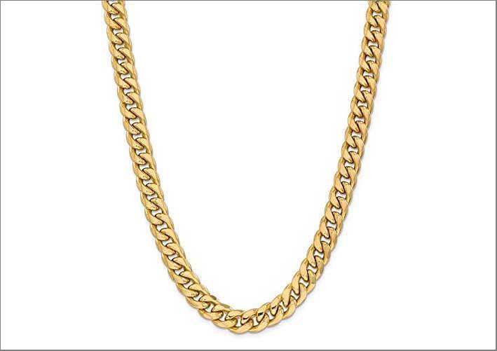 Questa catena in oro giallo 14 carati, lunga  61 centimetri è venduta su Amazon a oltre 6100 euro