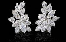 Orecchini in diamanti taglio goccia di 14 carati complessivi