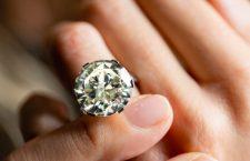 Anello con diamante di 13,70 carati di Bulgari
