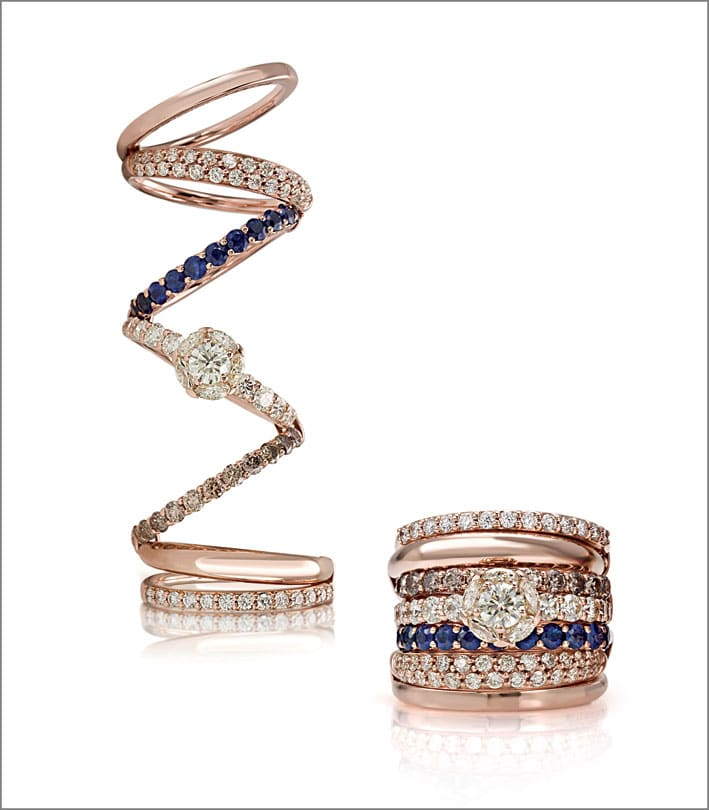 Anello oro rosa, diamanti gialli, bianchi, neri e brown, zaffiri blu.